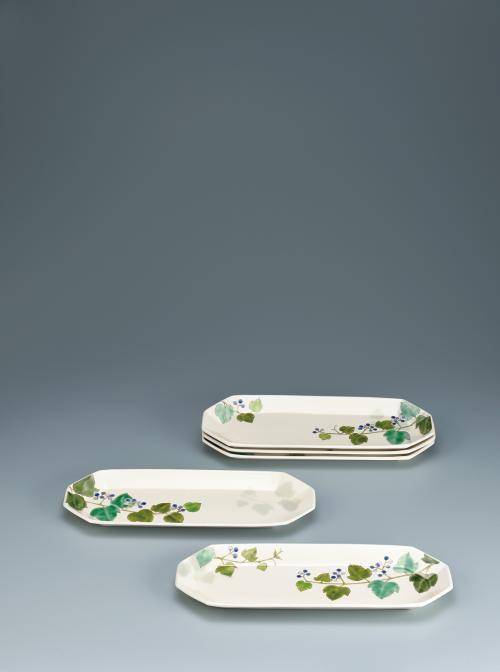 写真:色絵野葡萄長組皿
