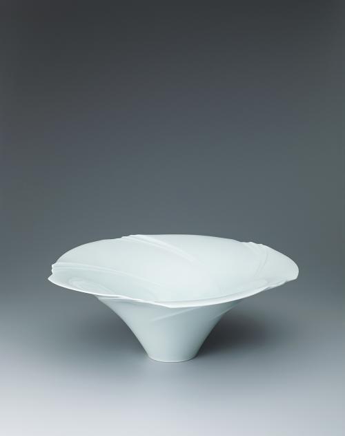 写真:白磁流紋鉢