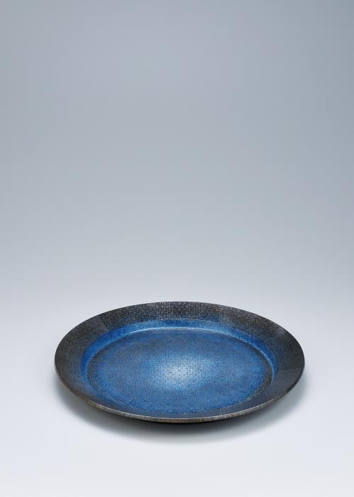 写真:金白金彩幾何紋円皿