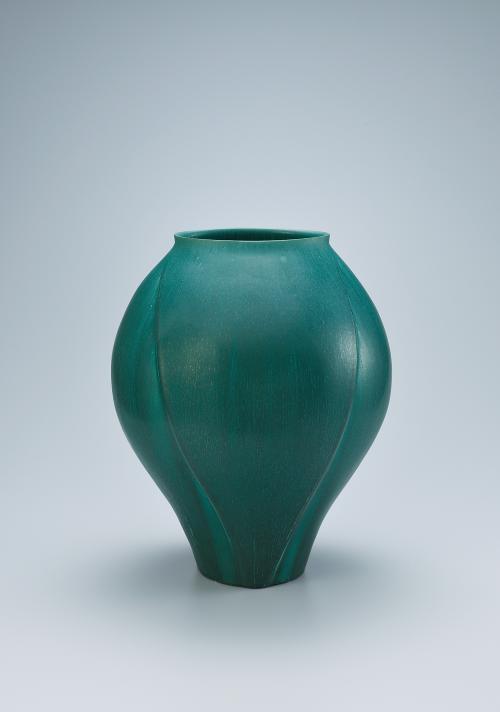 写真:緑釉壺