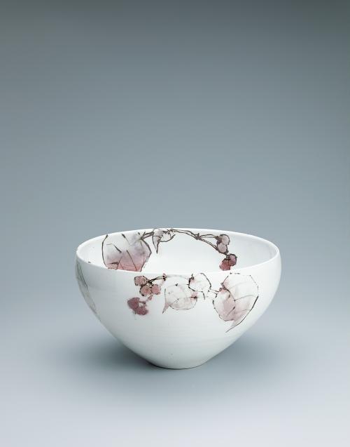 写真:鉄絵銅彩秋海棠文鉢