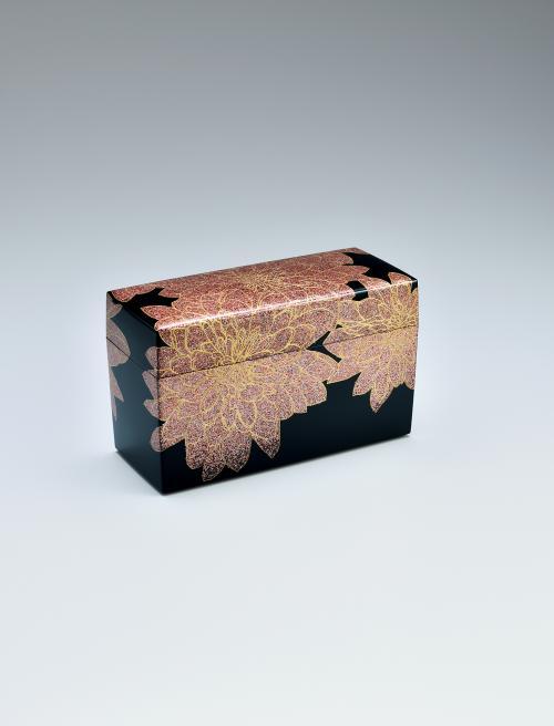 写真:彩貝蒔絵飾箱「華」