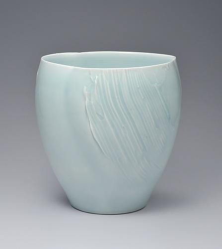 青白磁花瓶「花開く」