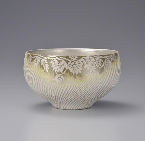 銀泥彩磁茶碗