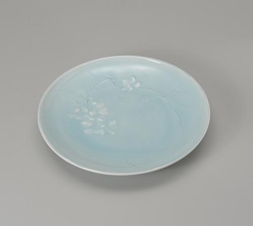 青白磁白藤図皿