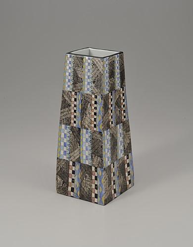 幾何紋金銀彩角花器