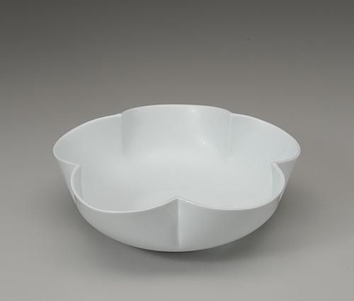 白磁花形花器