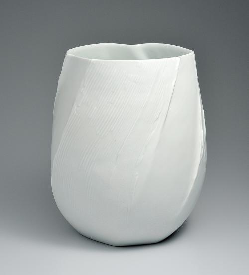 青白磁氷景花器