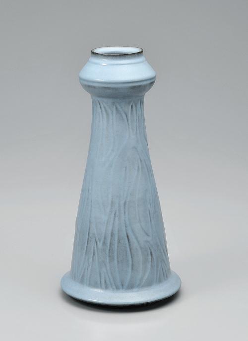 青瓷彫文壷