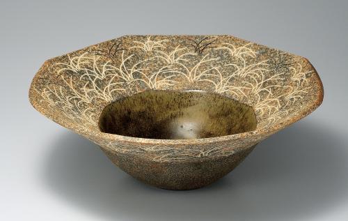 象嵌秋草文八角鉢