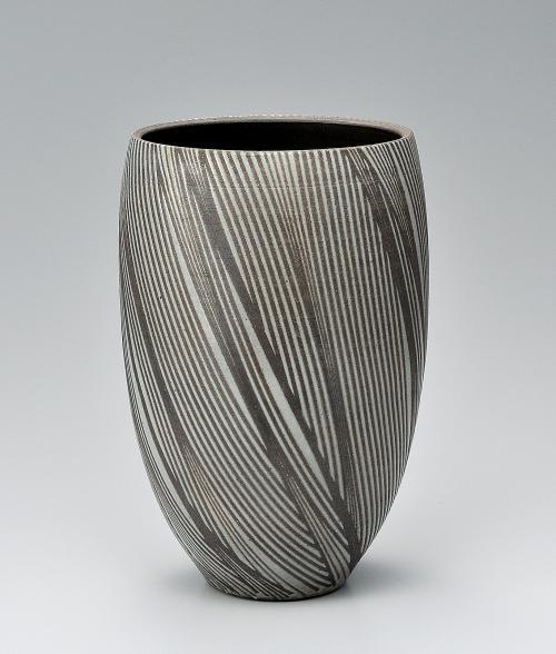 炭化釉彩線条文壺