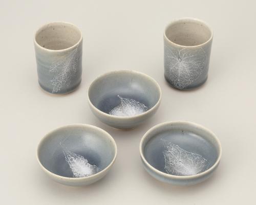 青磁釉彩葉紋酒杯(5客組)