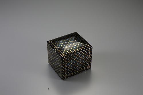 切金螺鈿小箱「菱文」