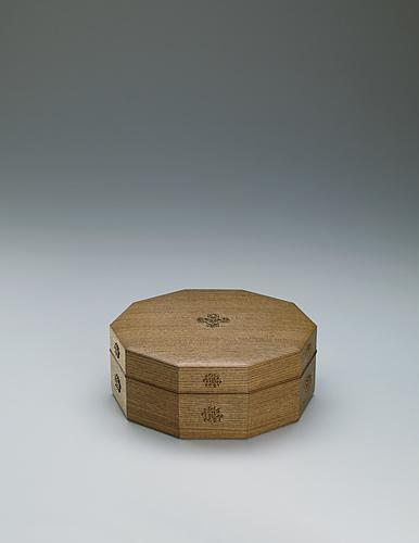 神代欅浮彫花紋拾角食籠
