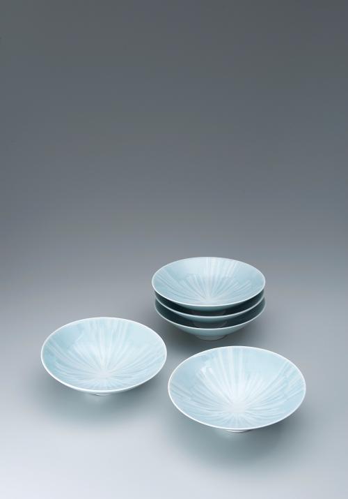 青白磁氷文組鉢