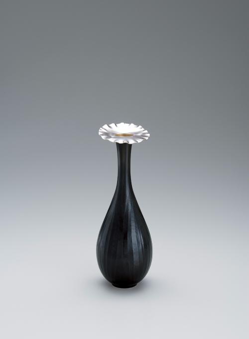 銀黒銅接合花瓶「花」
