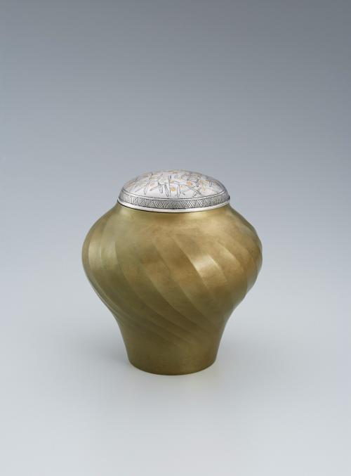 金象嵌オリーブ文黄銅壺