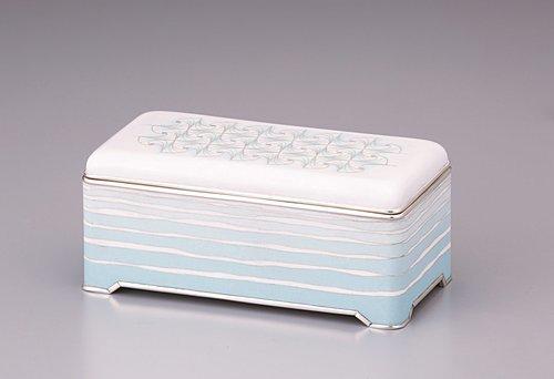 有線七宝飾箱「海に舞う雪」