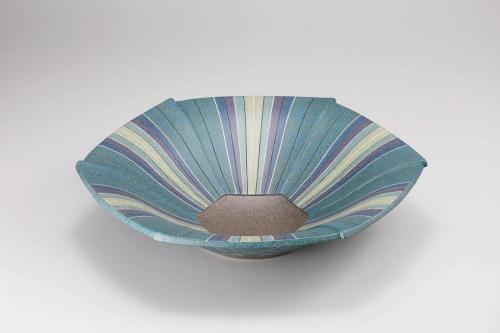 象嵌泥彩六角鉢