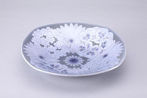 墨地紫苑釉裏銀彩花文四方皿