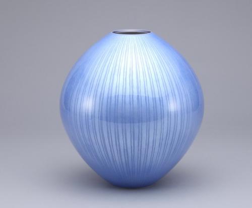 淡青釉裏銀彩 壺