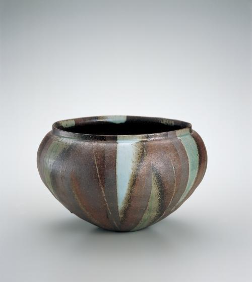 灰釉彩扁壺