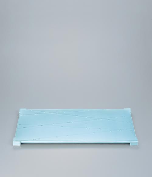 青白磁滴文長角台皿