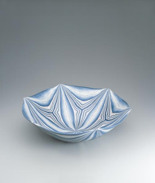 練上輪華鉢