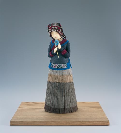 桐塑和紙貼布木目込「幻の青いケシ」