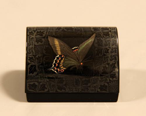 籃胎蒟醤香合「あげは蝶」