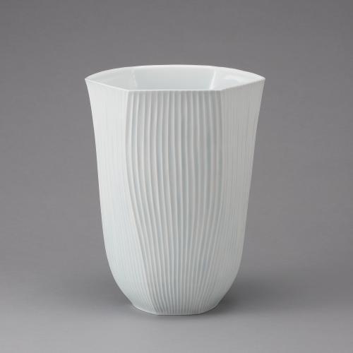 白磁釉象嵌線彫文六角鉢