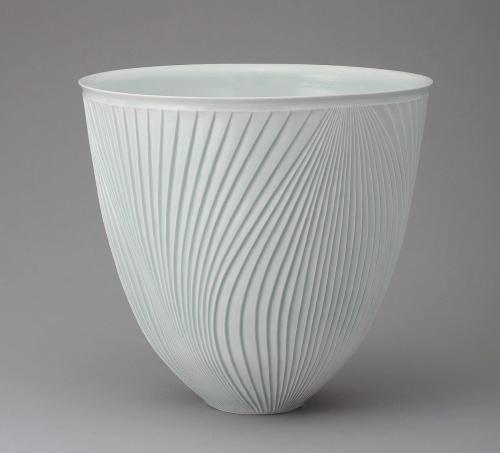 青白磁鎬彫深鉢